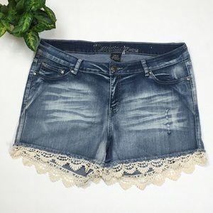 Montana Jeans Lace Trim Shorts